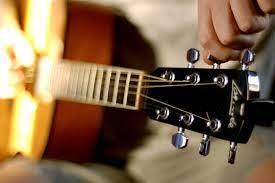Как настроить гитару через онлайн-тюнер